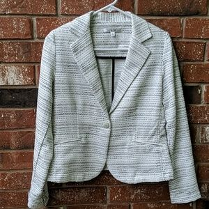 CAbi size 4 off-white and black Tweed blazer